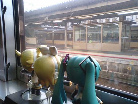 徳山駅に停車。