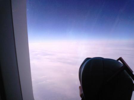 離陸後25分、高度 11,000m、速度 750km/h、盛岡上空。 ミク:「当然です...