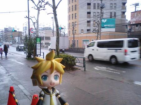 新代田駅に到着。 レン:「なんか、定刻より10分も早いよ?w」 も...