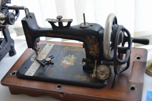 sewing machine -3