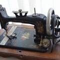 Photos: sewing machine -3
