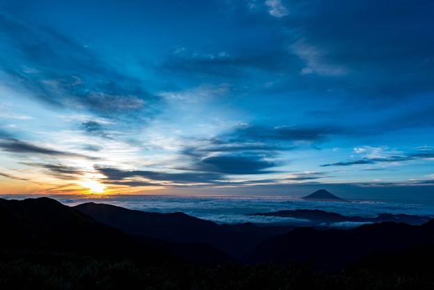 北岳からの日の出