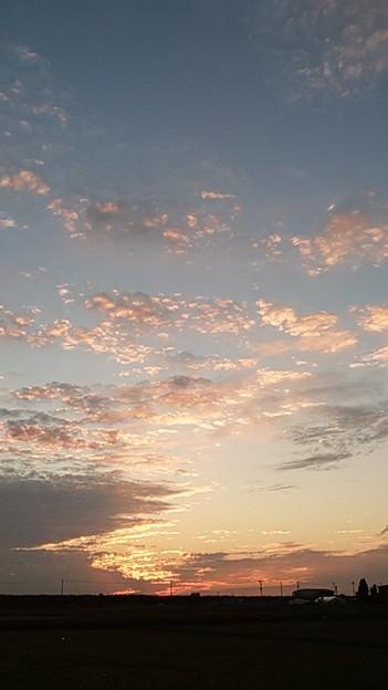 今日もおつかれさま(*´∀`) 明日もいい日になりますように*  #空 #空写真 #夕景 #イマソラ #ガラホ撮影