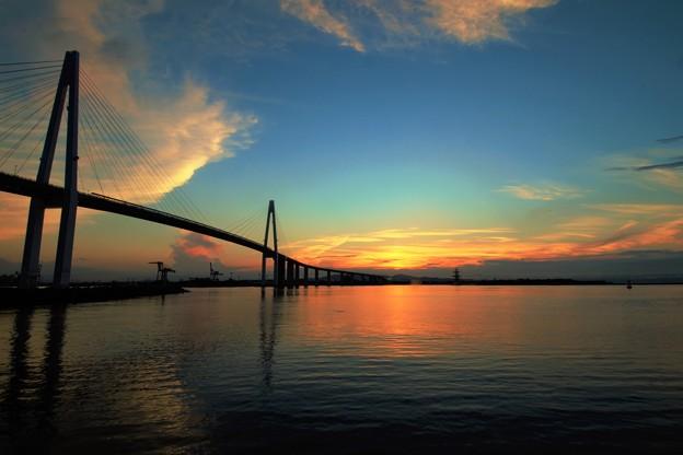 新湊大橋の夕景 IMG_3114