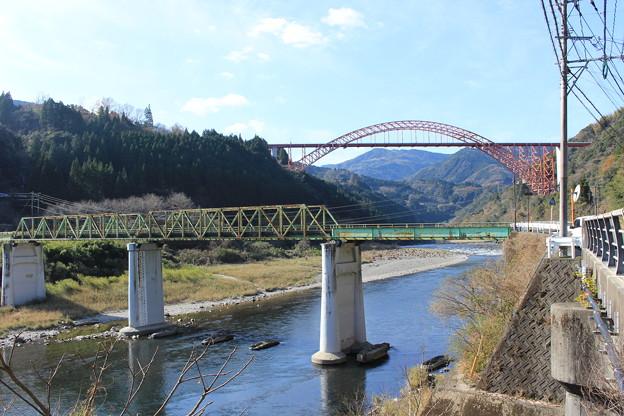 写真: 二つの橋