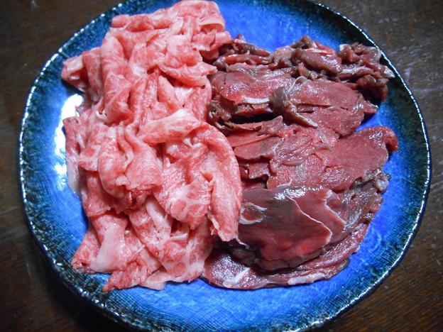 鹿肉と牛肉霜降り