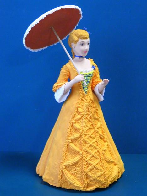 ビクトリア調人形オレンジ完成