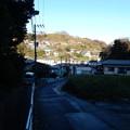写真: 坂本隧道の先は急坂