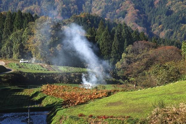 山間部の焚き火