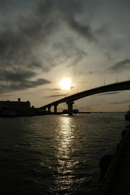 42017.9.27 泊大橋と夕陽