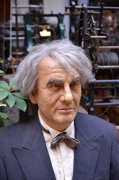 トーマス・エジソン(の、ろう人形)
