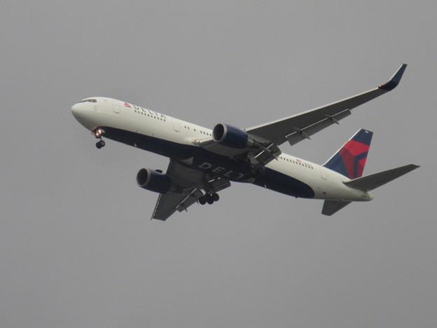 DELTA  767-300ER  N156DL 1