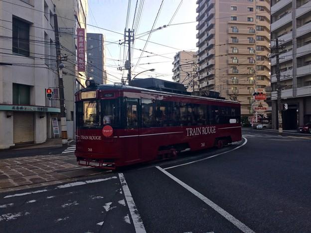 広島電鉄 TRAIN ROUGE トランルージュ 広島市西区観音町 観音町電停手前 中広通り