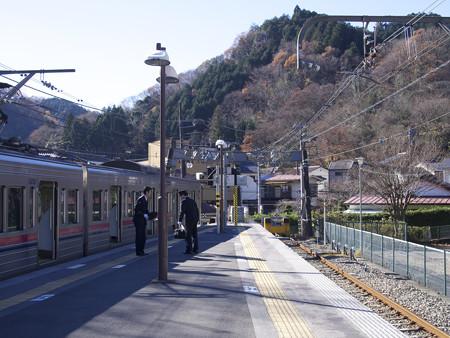 朝の高尾山口駅