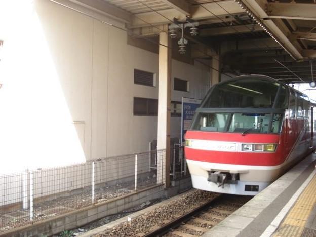 写真: 新鵜沼行き特急列車(犬山駅)