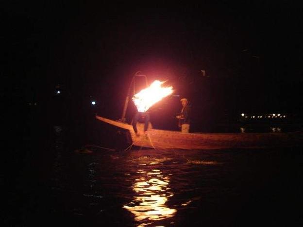 写真: 鵜飼船