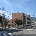 兵庫県西宮市の越木岩公民館等市の施設が複数入る建物。(2014年)