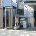 三重県伊賀市の近鉄上野市駅前のいわゆる白ポストと周囲。(2014年)