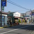 兵庫県宝塚市のグルメシティ小林店。白ポストがある。(2015年)