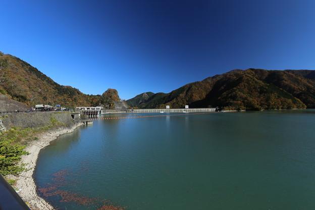 写真: 小河内ダムの秋