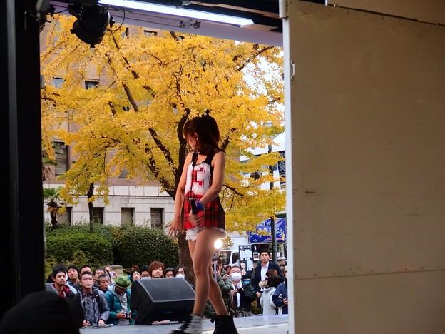 Photos: 観客は大銀杏