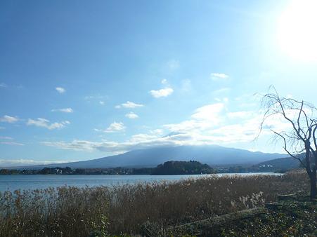 河口湖と富士山と