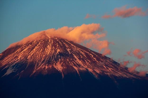 1月6日富士宮からの夕方富士山~ 夕陽と共に雲踊る?って感じでしょうか?!