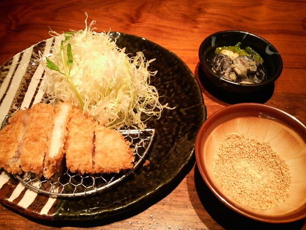 Photos: ロースかつ膳