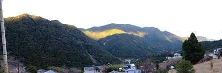 熊野那智大社から見た熊野連山