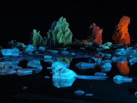 橋杭岩ライトアップ 近景08-1