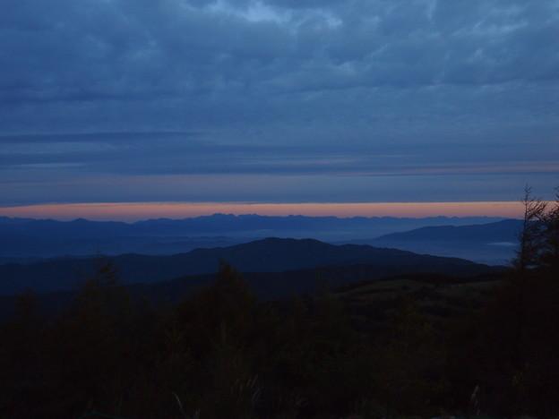 夜明けの北ア遠望