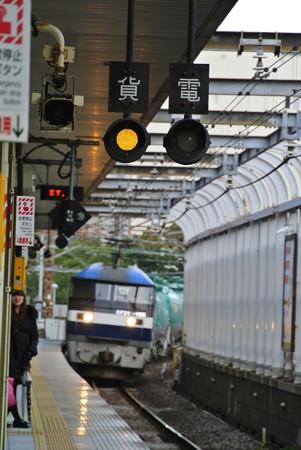 桜木町駅 5079レ通過
