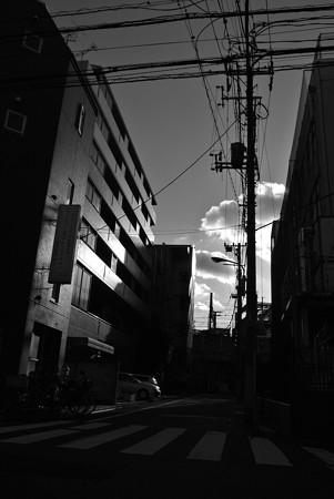 西日暮里の街角