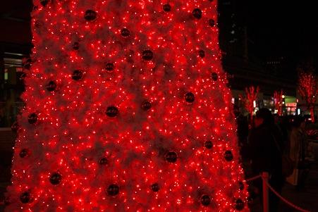 2011.11.27 有楽町 赤い電飾ツリー