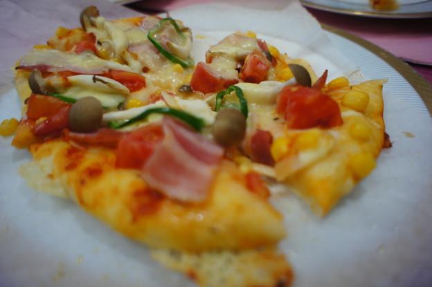 ベーコンとキノコのピッツァ