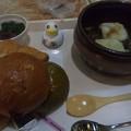 Photos: パン食べ放題のビーフシチュ...