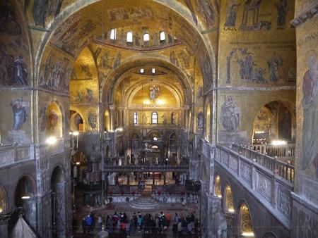 180110-29サンマルコ寺院内部