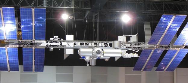 写真: 国際宇宙ステーション