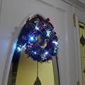 写真: LEDライト付リース 電池式 彩か クリスマスリース