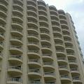 プライベートビーチ側からのホテル