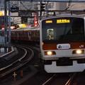 Photos: 赤れんが色の山手線 上野駅にて