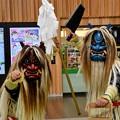 写真: 秋田駅改札前のお出迎え