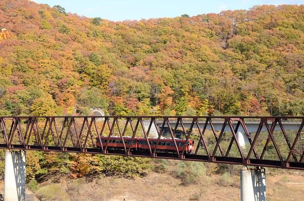 湯西川橋梁を行く快速AIZUマウントエクスプレス3号