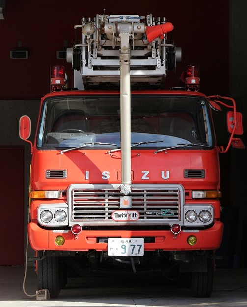 和歌山県有田市消防本部 30m梯子付ポンプ車        「天神」(高所放水車仕様・前部)