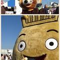 Photos: イベントに来てくれたトロベーとたいらくんにもわせねでねワカメをア...