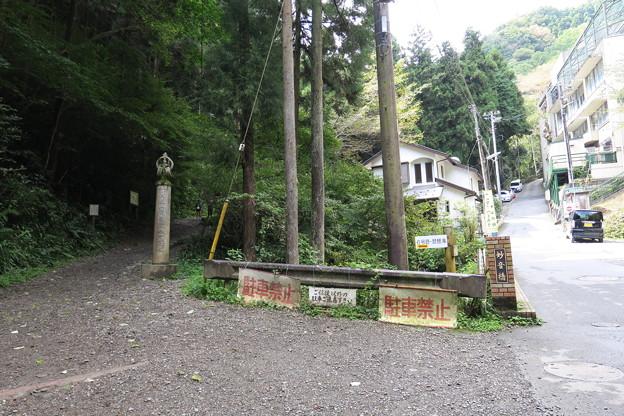 170929-109高尾山・6号路への登山口