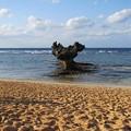 写真: ハートロック その2(古宇利島)