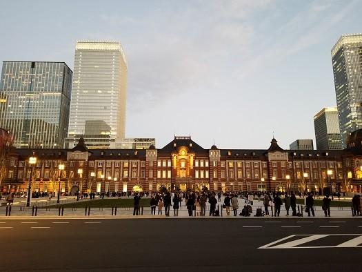 JR東京駅 丸の内駅前広場(2017.12.17)