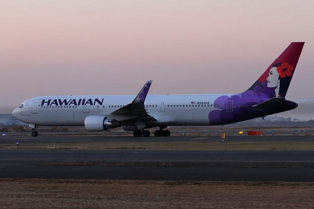B767 Hawaiian Air 到着(1)