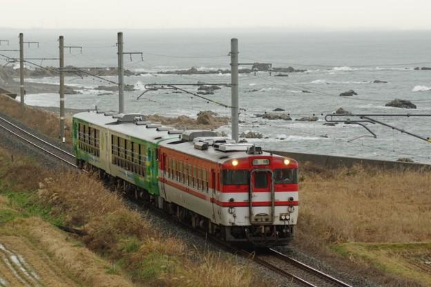 """写真: キハ40 586+キハ48小牛田車改""""びゅうコースター風っこ"""" 風っこ日本海ストーブ号"""